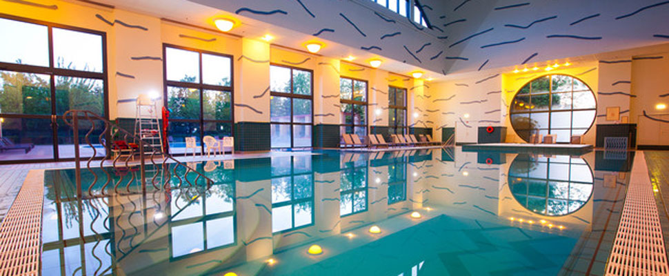 Disneys hotel new york miles morgan travel - Hotels in yeovil with swimming pool ...